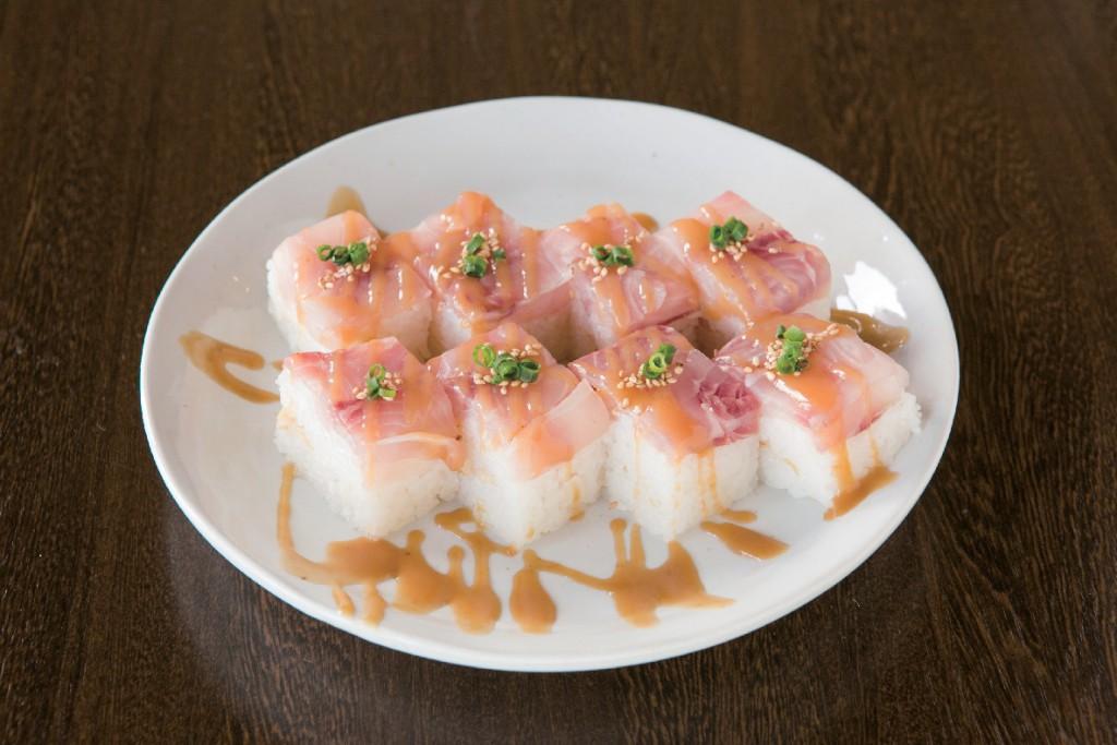 鯉7しゃりてん押し寿司-001